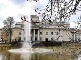 """Kaliskie fontanny już działają. Niebawem włączona zostanie również fontanna """"Noce i dnie"""" . ZDJĘCIA"""