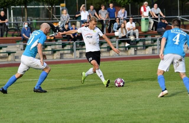 """""""Brunatni"""" przełamali się w Szczercowie pokonując Astorię 3:1 (1:0)"""