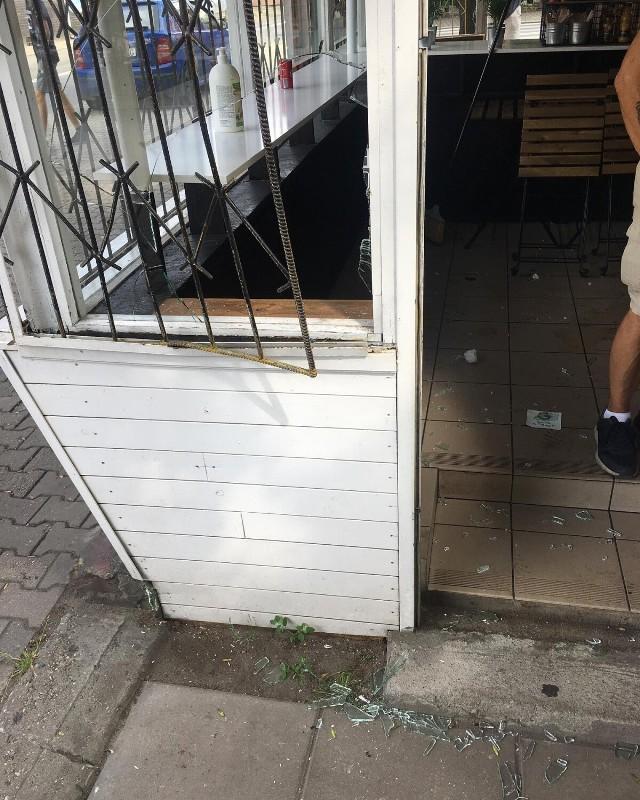 Do nietypowego włamania doszło w lokalu Bajs. Złodziej wybił szybę i ukradł piwo bezalkoholowe. Jaki był motyw działania rabusia?
