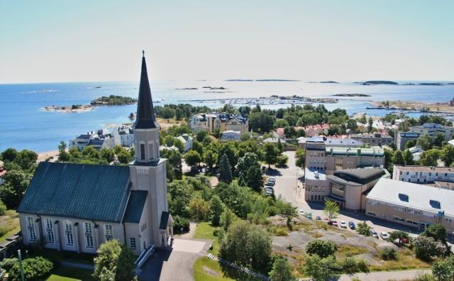 To uzdrowisko nie tylko dla seniorów. Malownicza, fińska miejscowość przyciąga turystów malowniczymi widokami