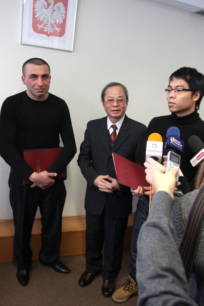 Ormianin Seyran Petrosyan i Wietnamczyk Mich Nguyen Tien