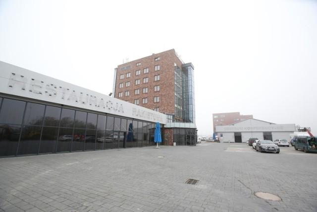 Szpital tymczasowy przy Rakietowej - według resortu zdrowia - jest najdroższy w Polsce