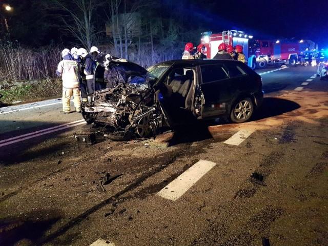 Nocny wypadek w Skawie na drodze krajowej w kierunku przejścia granicznego w Chyżnem