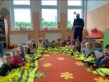 Policjant odwiedził przedszkolaków z Czernina - tematem spotkania profilaktyka zagrożeń