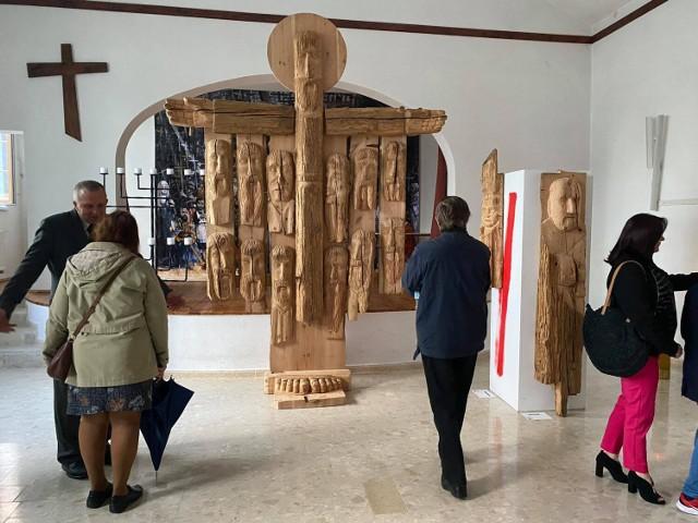Unikalna wystawa rzeźb w Parafii Wszystkich Świętych w Sieradzu