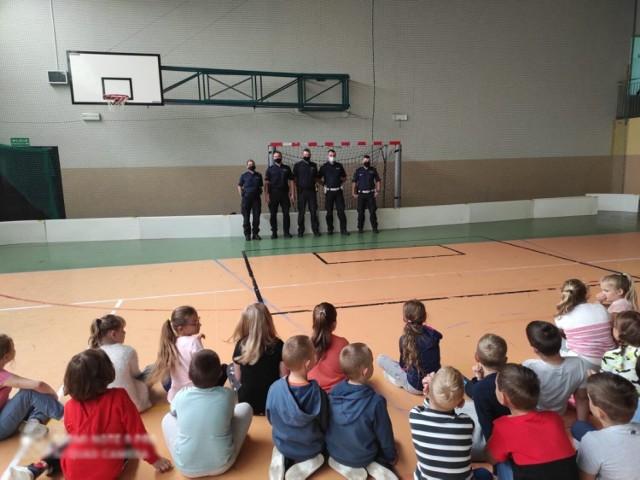 Łęczyccy policjanci prowadzą cykl spotkań z dziećmi