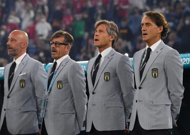 Włoskie garnitury mają nawiązywać do tych, które sztab Italii nosił na Mundialu w 1982 roku?
