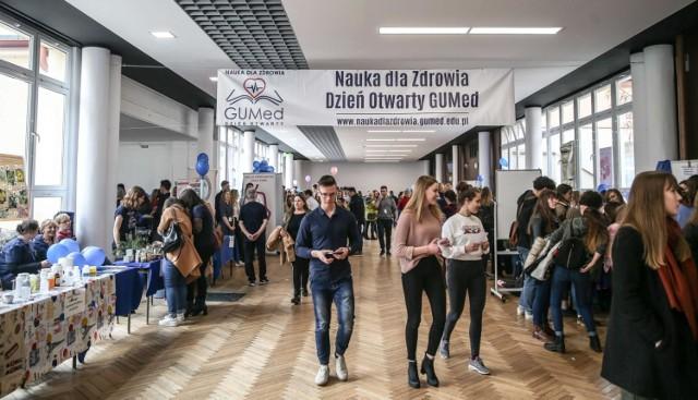 Tegoroczny Dzień Otwarty GUMedu - tłumy zainteresowanych studiami na uczelni