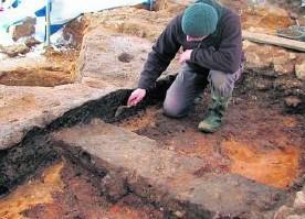 Archeolodyz dokopali się do nadpalonej belki