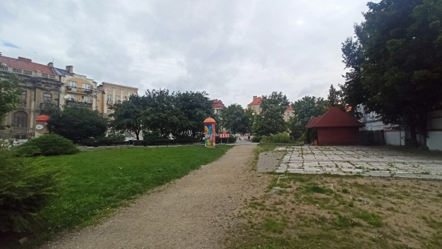 Obecnie trwa przebudowa jezdni przy Złotym Rogu w Kaliszu