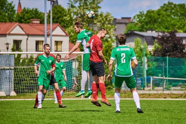 Niedzielny mecz Uczniowski Klub Sportowy GOL Brodnica wygrał 8:0