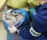 Łódzka policja przechwyciła tytoń niewiadomego pochodzenia
