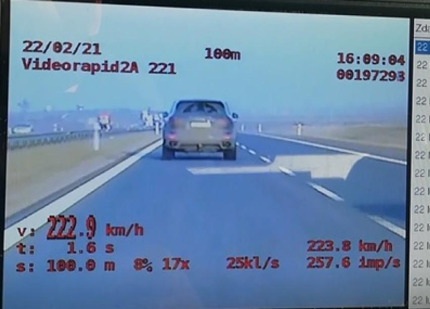 S5 Goślinowo. Kierowca jechał z prędkością 220 km/h!