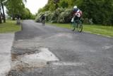 """Ścieżka rowerowa wzdłuż Doliny Służewieckiej stoi niedokończona. ZDM: """" Powinniśmy po prostu przeprosić"""""""