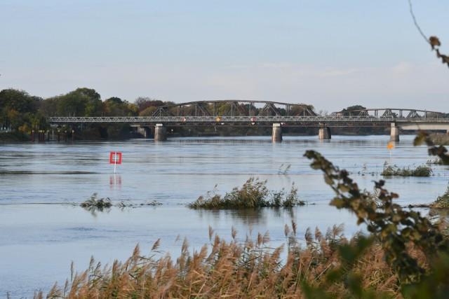 Poziom Odry na dzień 22 października wynosił 360 cm. Stan rzeki wzrasta systematycznie od kilku dni.