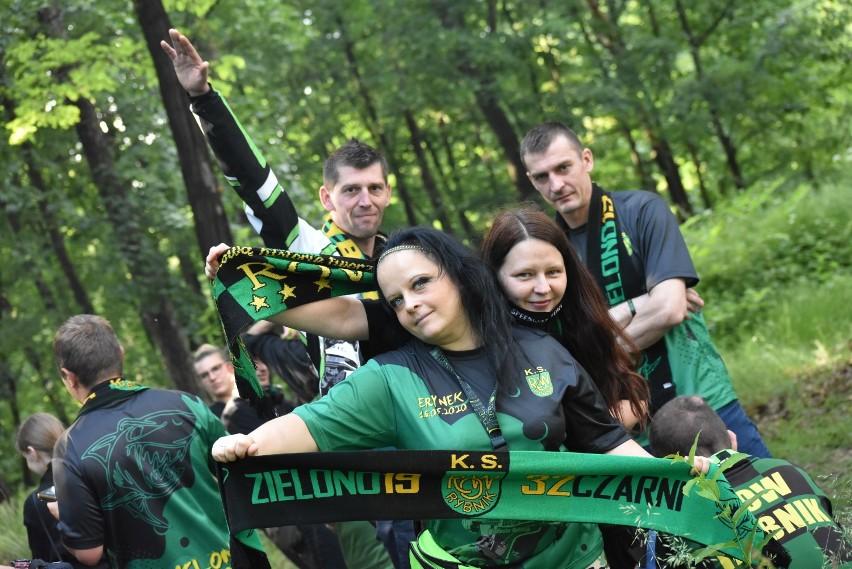"""Kibice ROW Rybnik """"siedzieli"""" na stadionie. Inni dopingowali z Wiśniowca!"""