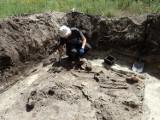 Masowy grób niemieckich żołnierzy odkryty w Koźlicach. To lotnicy z Luftwaffe [ZDJĘCIA]
