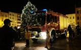 OSP Chojnice ozdobiło świątecznie strażacki wóz. Na Starym Rynku w Chojnicach można było zrobić zdjęcia