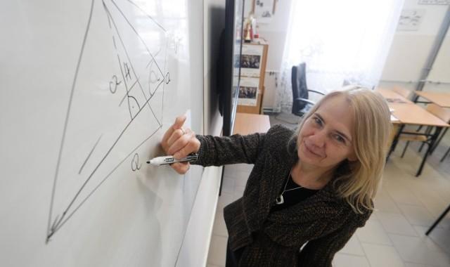 Zadania i odpowiedzi z próbnej matury z matematyki przygotowała dla nas Lucyna Bączek, nauczyciel matematyki w I LO w Dębicy