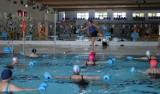 Pływalnia Rodzinna zaprasza na zajęcia w wodzie. Będą prowadzone na nowych zasadach