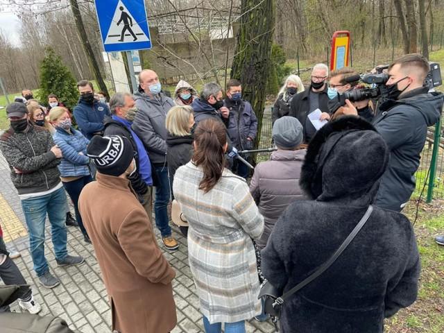 Mieszkańcy dzielnicy wypowiadali się na temat swojego sprzeciwu w różnych mediach. Nie bali się nagłaśniać sprawy.
