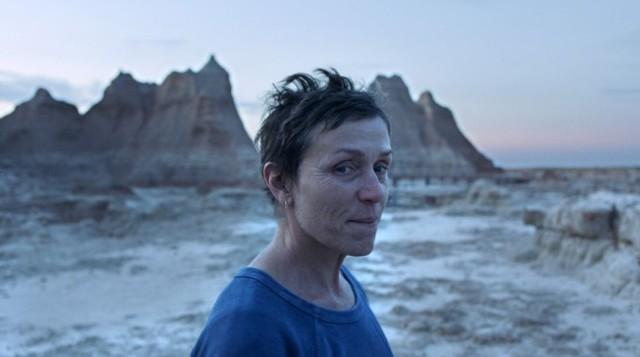 """Oscarowy """"Nomadland"""" będzie można zobaczyć w kinach Helios otwieranych 21 maja po lockdownie."""