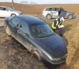 Wypadek w Osieku. 42-letni kierowca zignorował przepisy drogowe i zderzył się z samochodem [ZDJĘCIA]