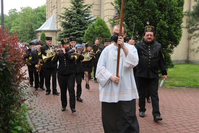 Pogrzeb 11-letniego Sebastiana z Katowic zgromadził tłumy mieszkańców. Został pochowany na cmentarzu parafialnym. Żegnała go także społecznośc szkolna.