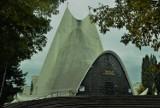"""Kościół Miłosierdzia Bożego w Kaliszu. """"Biały Batman"""" to architektoniczna perełka miasta ZDJĘCIA"""