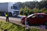 Wypadek na DK 28 w Paszynie. Zderzyły się samochód osobowy i ciężarowy