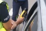 Pijany kierowca w Kaliszu. Chciał uciec pieszo przed policją
