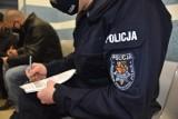 Rozpoczęły się szczepienia policjantów ze Świebodzina przeciwko COVID-19. Kto przyjął pierwsze dawki?