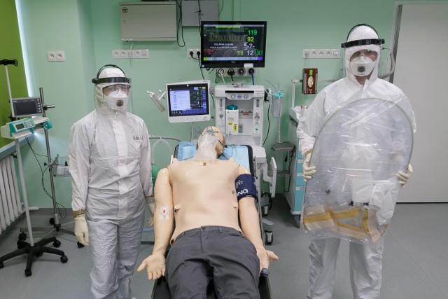 Wynalazek naukowców z Warszawskiego Uniwersytetu Medycznego obniży ryzyko zakażenia COVID-19