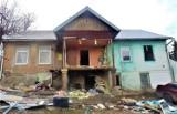 Limanowa. Trwa budowa dwóch domów dla Romów z ul. Wąskiej. Miasto otrzymało na ten cel dofinansowanie