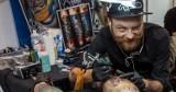 """Świdniczanin z międzynarodową renomą: """"Wierzę, że niektóre tatuaże mogą przynosić pecha"""".  Rozmowa z tatuażystą, Florianem Applevine"""