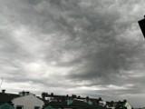 Niesamowite burzowo-deszczowe chmury nad Wrocławiem (ZOBACZ ZDJĘCIA)