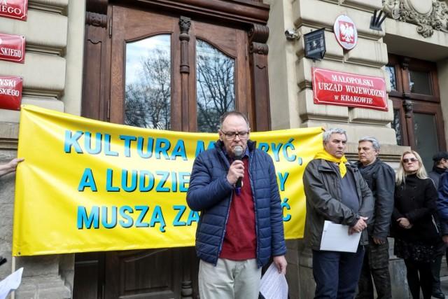 """Protesty pracowników instytucji kultury trwają w Małopolsce od kilku lat pod hasłem """"Dziady kultury"""""""