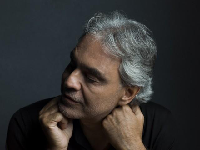 Podczas swego koncertu w pustej katedrze mediolańskiej Andrea Bocelli zaśpiewa pieśni sakralne ku pokrzepieniu serc
