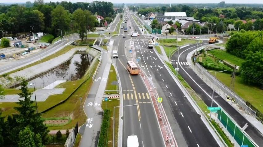 """DK 51. """"Autostrada"""" nad Zalew Zegrzyński częściowo gotowa. Po dwa pasy w każdą stronę. Koniec z korkami?"""