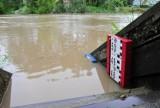 Poziom wody w Wisłoku w Krośnie przekroczył stan alarmowy, ale już powoli opada [ZDJĘCIA]