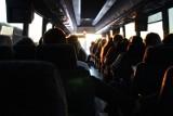 Nietrzeźwy i agresywny pasażer busa był poszukiwany przez świdnicką prokuraturę
