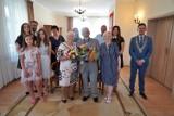 Pięćdziesiąta rocznica ślubu. Medale od Prezydenta RP za długoletnie pożycie oraz gratulacje od Burmistrza Miasta Debrzno