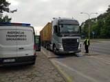 Przeładowany o kilkanaście ton pojazd przewożący kontenery zatrzymany we Włocławku