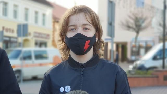 Maciej Rauhut z Krapkowic twierdzi, że działania policji mają na celu go zastraszyć. - Będę dalej działał - deklaruje.