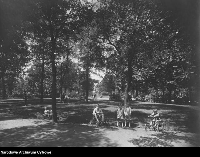 Jak wyglądał Park Kościuszki w Katowicach przed wojną? Zobaczcie na archiwalnych zdjęciach z Narodowego Archiwum Cyfrowego