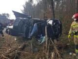 Wypadek na drodze z Rokit do Bochowa. Na drodze są oblodzenia i leży śnieg. Policja apeluje: Noga z gazu!