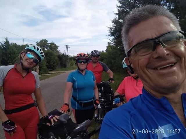 Rowerzyści ze Złotnik Kujawskich mają do pokonania 337 kilometrów. Zwiedzają muzea i odwiedzanie miejsca pamięci związane z Cudem nad Wisłą