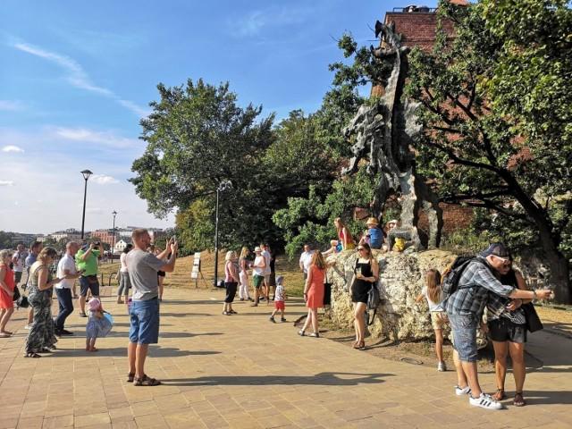 Jak wypadli mieszkańcy Krakowa w obiektywie aparatu Google Street View?