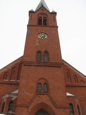 Zegara na wieży kościoła św. Wojciecha w Tuchomiu nie było od ponad 40 lat. Fot. Marcin Pacyno