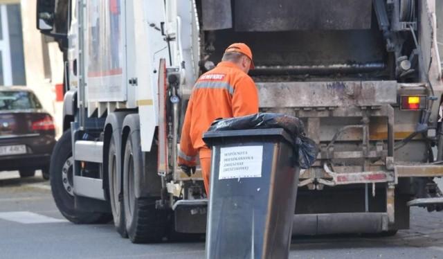Podwyżki cen śmieci budzą wątpliwości u mieszkańców z powiatu chełmińskiego